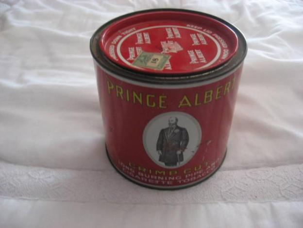 antique-prince-albert-tobacco-tin_4606107